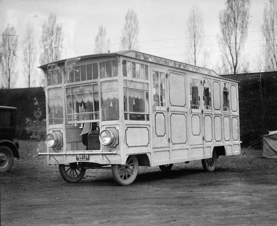 Mobile home by Ford Motor Company. April 9, 1924, National Photo Company.